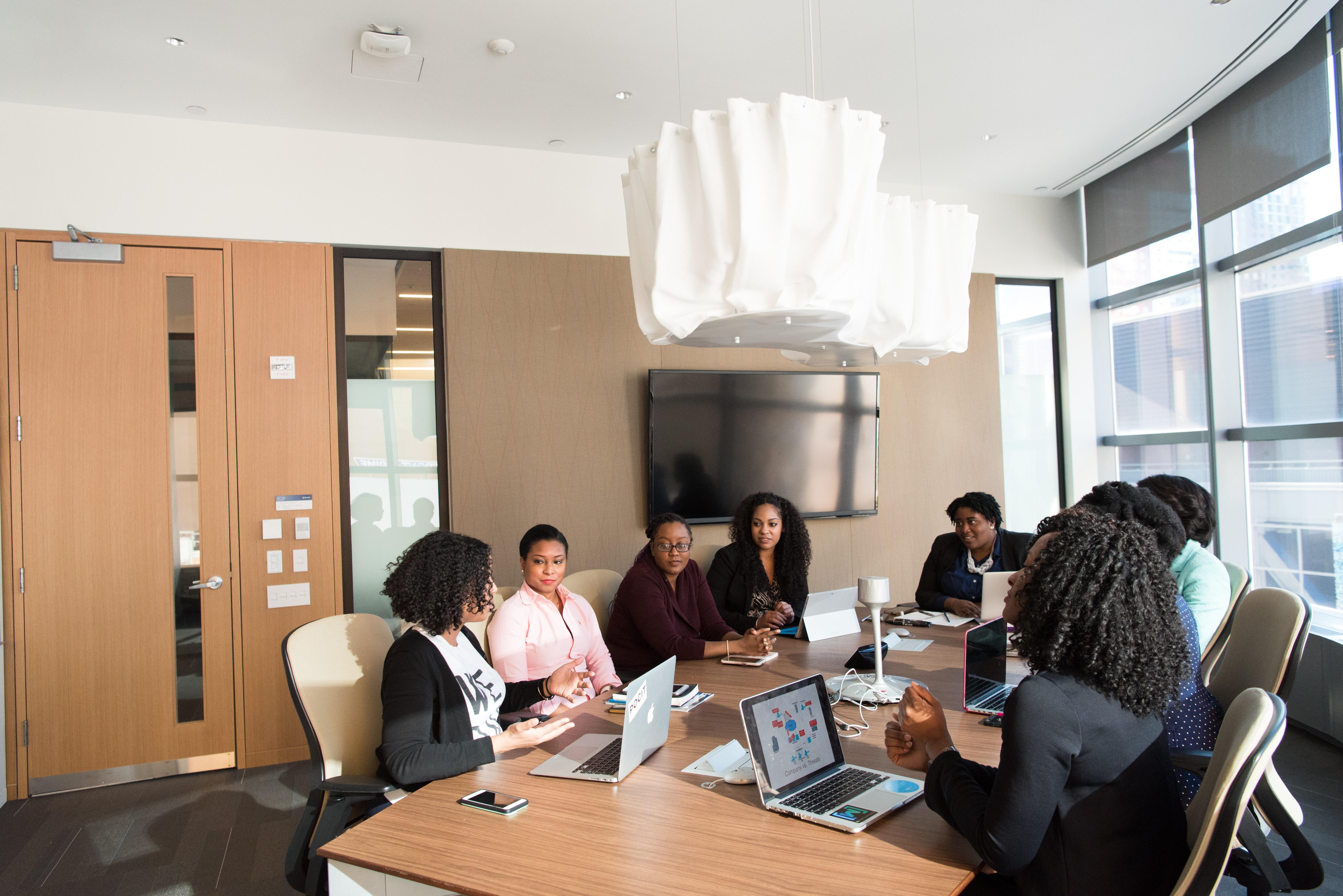 Reunião de negócios: Detalhes no ambiente fazem a diferença